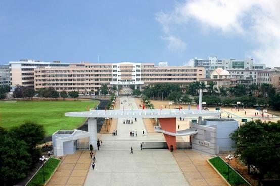 海市合浦县第一中学图片